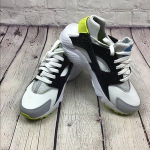 GREAT COND AUTH NIKE AIR HUARACHES SNEAKERS